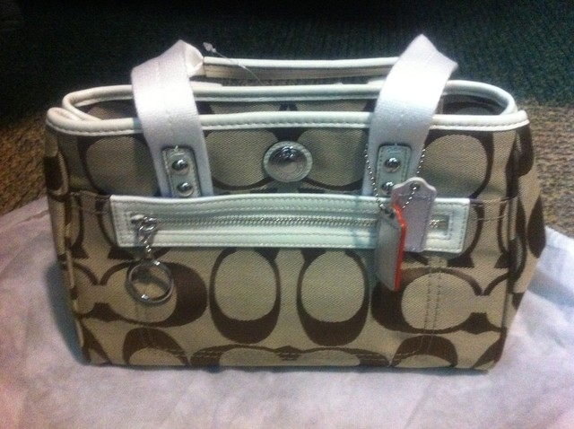 Brand New Coach bag Khaki&amp;White - SGD 199