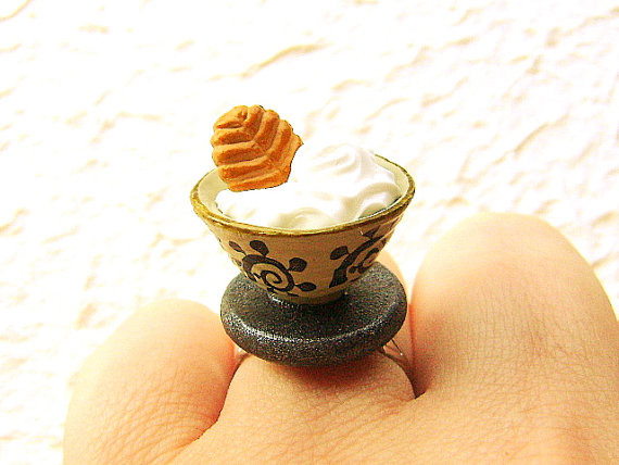 Japanese Food Ring Ice Cream Cookie  - USD 12.5