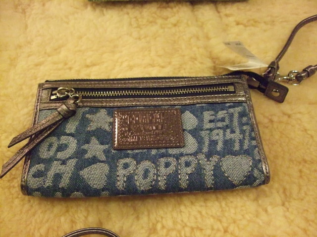 NWT COACH Poppy Denim Zippy Wallet Wristlet - SGD 130