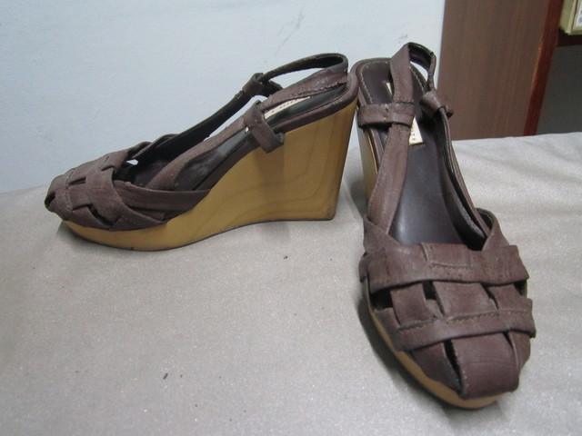 Brown strappy casual designer wood wedges  - SGD 19