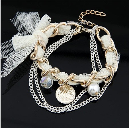 ♥ White Lacy Chain♥ - SGD 3.00