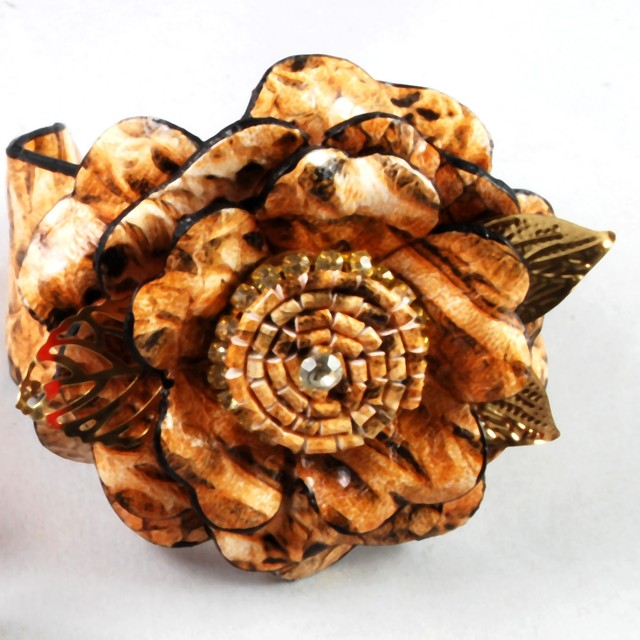 $17.90 - Bangle- Flower Design - SGD $17.90