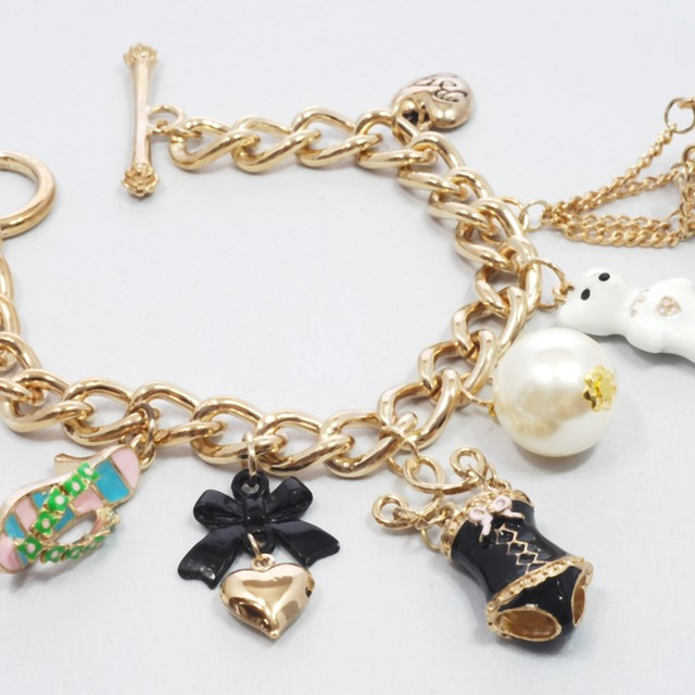 $21.90 - Korean Bracelet- Teddy Design - SGD $21.90