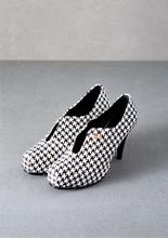 今年一定要有的千鳥格紋, 不想格格上身, 就從各式各樣的美鞋配件下手吧! 千鳥格紋
