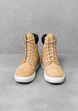如果一輩子只能擁有十五雙鞋,timberland 無庸置疑,就是其中一雙。 Timberland