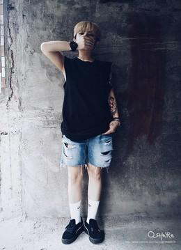 自由,由你自己主宰。破壞牛仔褲,中筒襪,厚底蕾哈娜鞋
