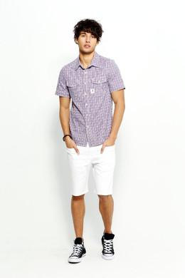 精選純棉格紋布料以休閒寬鬆剪裁,隨不同褲裝搭配可展現不一樣風情,既可優雅時尚,亦可休閒有型。http://www.rakuten.com.tw/shop/sisjeans/product/16174003/