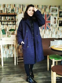 【A li 穿搭】新添購的大大件大衣,內層鋪棉設計,好保暖阿,短腿也可以穿長版外套,比例搭好都不是問題,然後我這張是額頭好癢的概念。