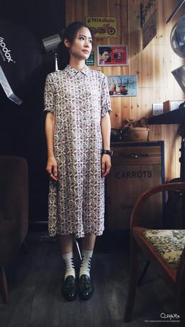 阿麗開始翻出一些夏季的長洋裝囉,這件圖騰花襯衫洋裝,除了單穿還可以當罩衫,輕薄材質這個天氣好適合。
