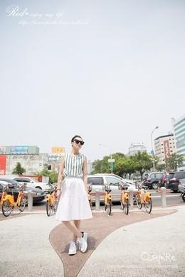 澎澎的及膝圓裙Midi skirt 帶點休閒的歐美風~